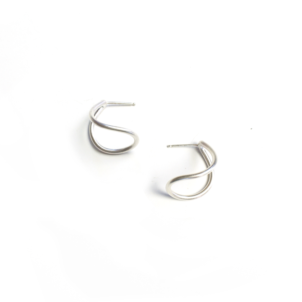 small silver curve post earrings