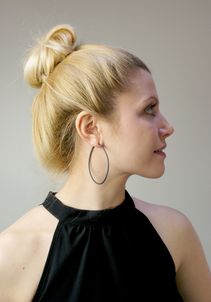 13 pieces of black jewelry you can wear every day // black droplet hoop earrings