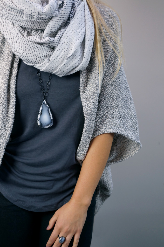 5 necklaces you can layer with a scarf // click through for winter outfit inspiration