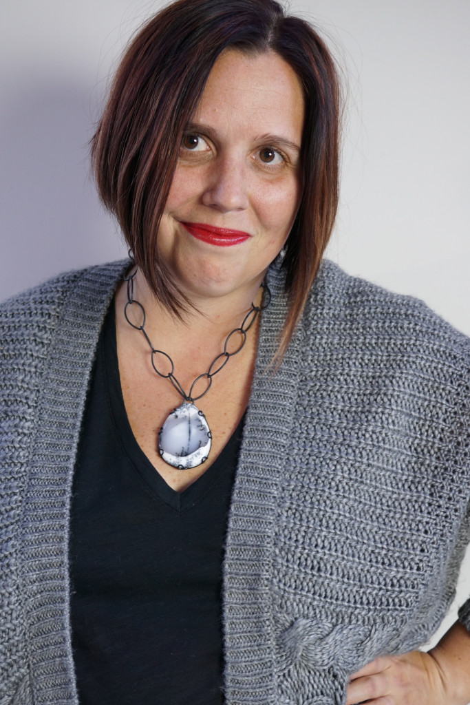 jewelry style blog: bold necklace, chunky sweater, fall winter style
